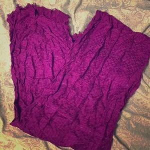 Magneta scarf
